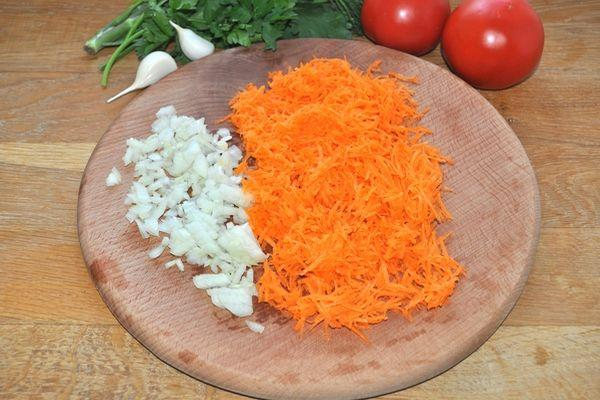 лук и морковка