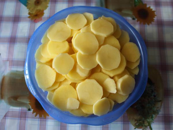 порезанный картофель