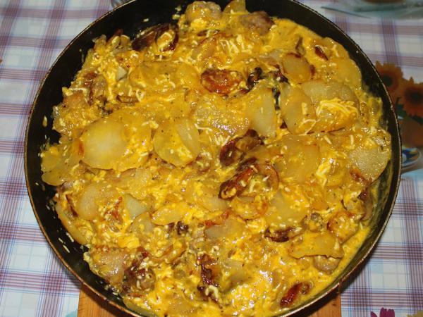 картофель с яичной заправкой