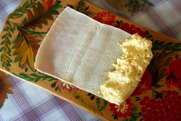 яичн-сырная смесь в крабовой палочке