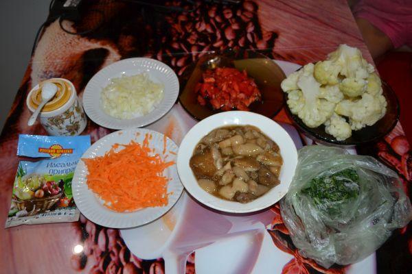 ингредиенты для жареной цветной капусты с грибами