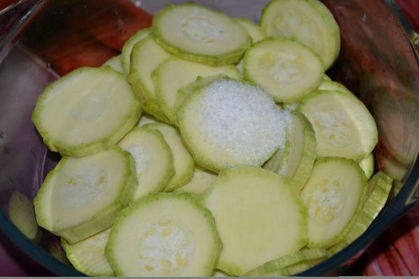 кабачки с солью