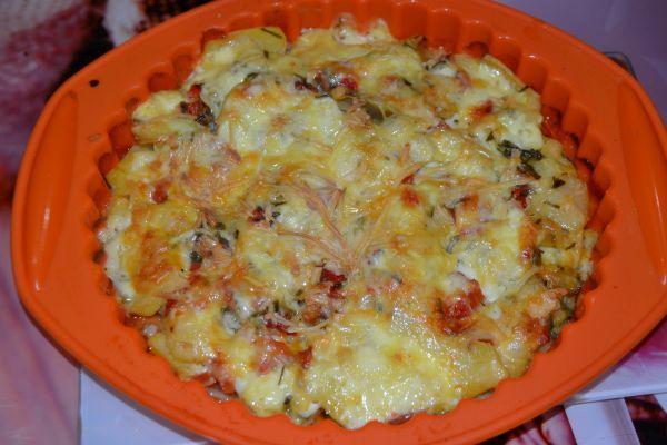 картофельная запеканка с сыром и беконом
