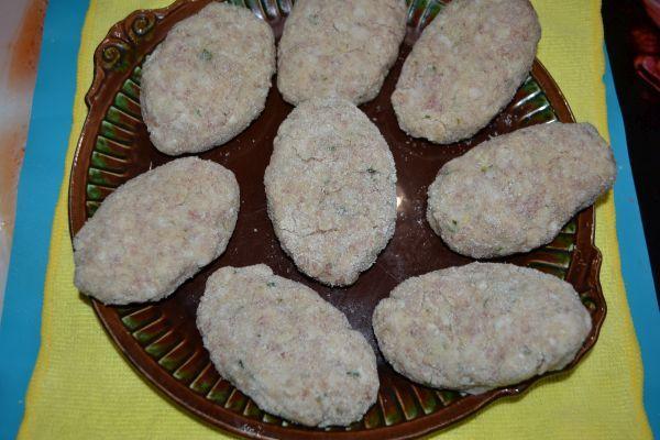 заготовки для приготовления котлет с грибами