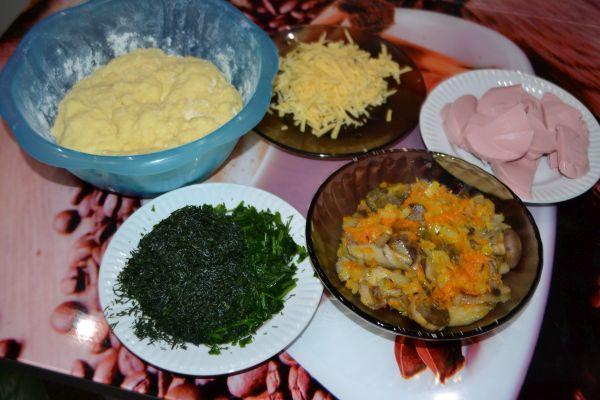 ингредиенты для слоеного пирога с грибами