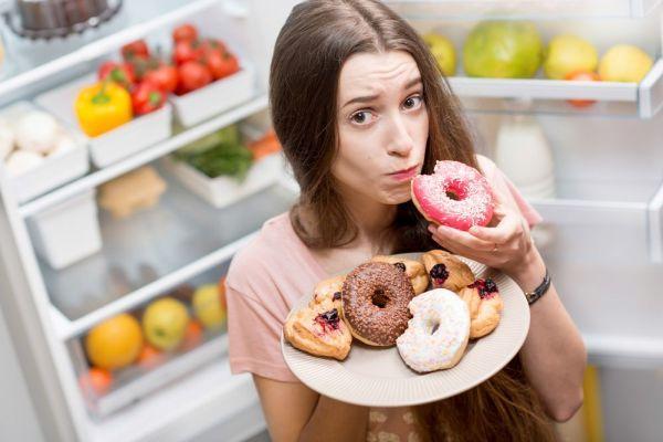 повышенный аппетит у девушки