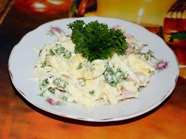 салат из черной редьки с яйцом и майонезом
