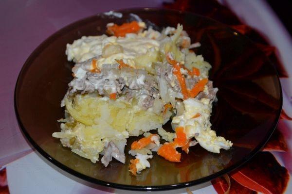 вкусный салат из говяжьей печени с морковью