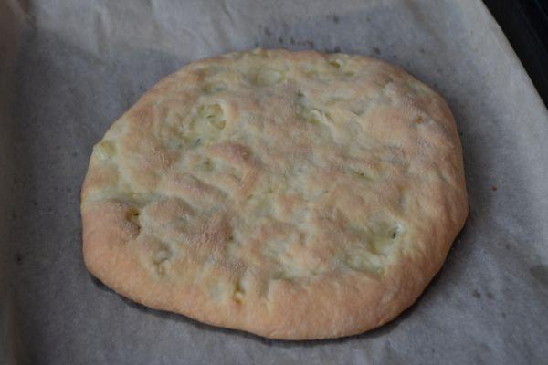 осетинский пирог с сыром из дрожжевого теста