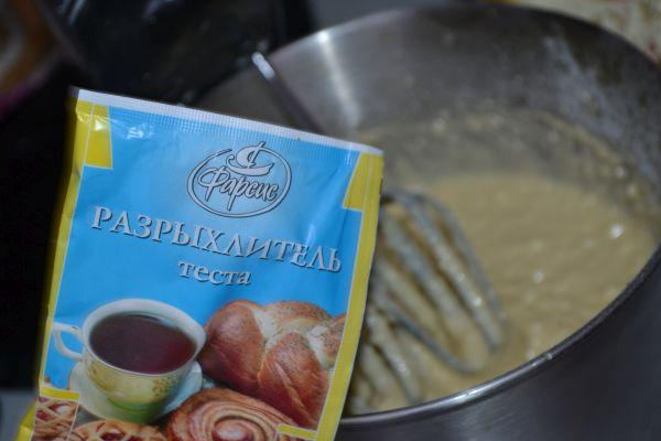 приготовление творожного кекса с изюмом