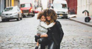 Доверительные отношения между мамой и ребёнком