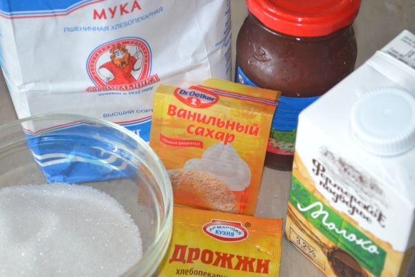 ингредиенты для булочек с повидлом