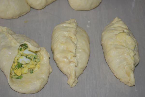 приготовление пирожков с луком и яйцом