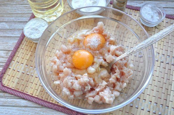 филе курицы с яйцами