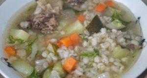 суп рассольник с огурцами