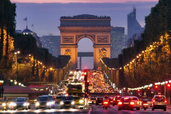 Елисейсеие поля в Париже
