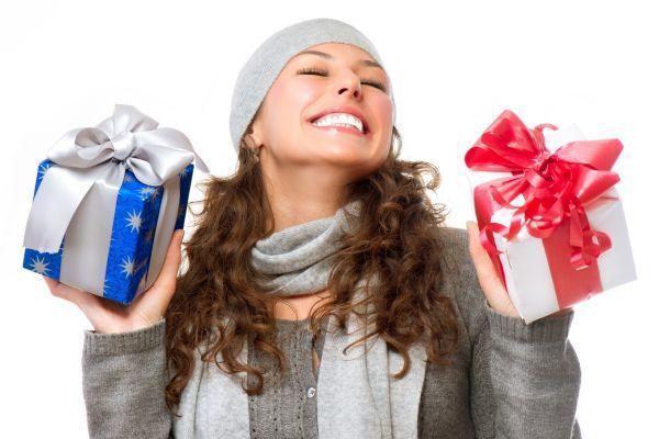 много подарков для девушки