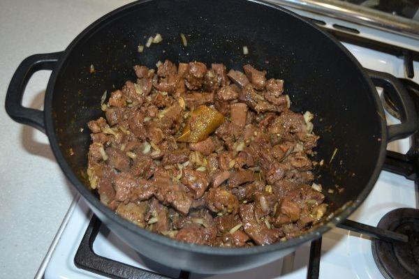 вкусное блюдо из баранины в казане