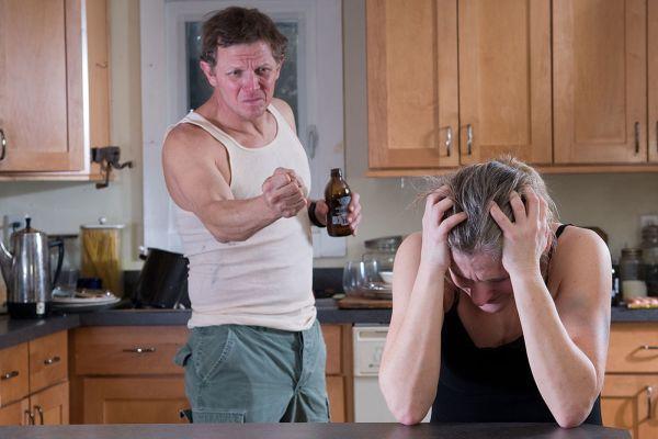 агрессия алкоголика