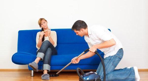 домашняя уборка мужчиной