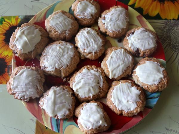 песочное печенье смазанное белым шоколадом