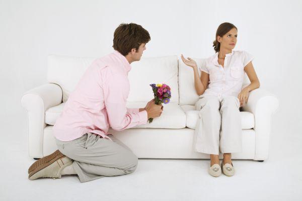 муж просит прощения у жены