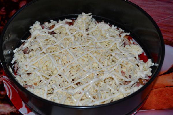 слой салата из сыра