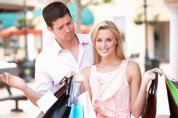 муж удивлен покупкам жены