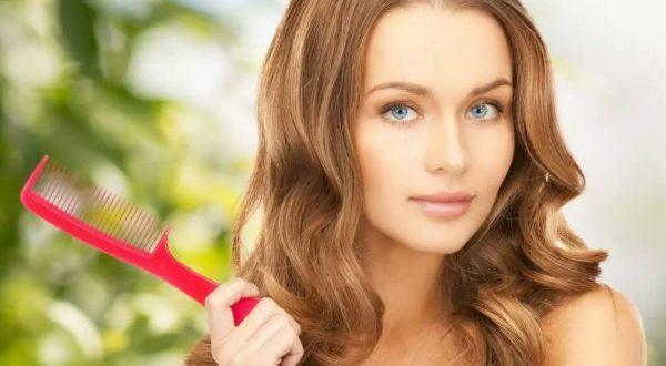 девушка со здоровыми волосами