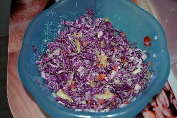 салат из краснокочанной капусты с майонезом