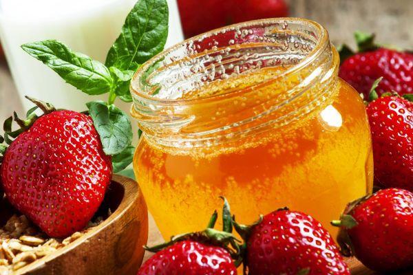 мед с клубникой