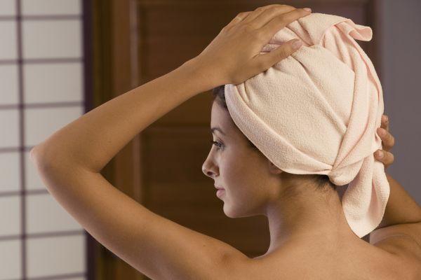 полотенце на голове после маски