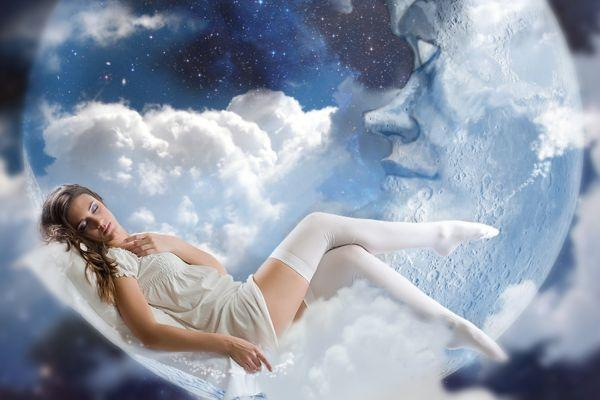 сновидения у девушки