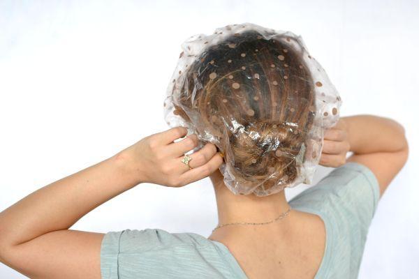 волосы под шапочкой
