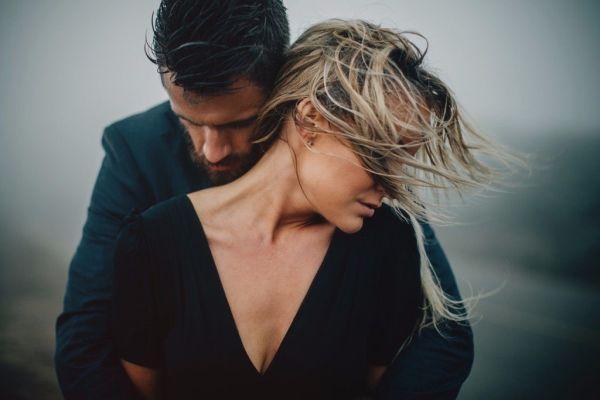 женщина позволяет себя любить