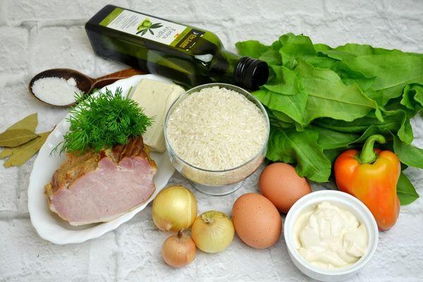 нгредиенты для сырного супа со щавелем и яйцом