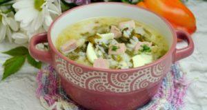 сырный суп со щавелем и с яйцом
