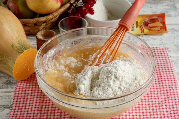 приготовление тыквенных оладий с сырой тыквой