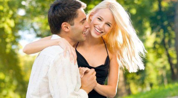 мужчина с женщиной в отношениях