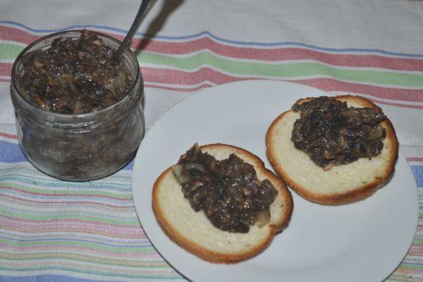 бутерброды с икрой из грибов