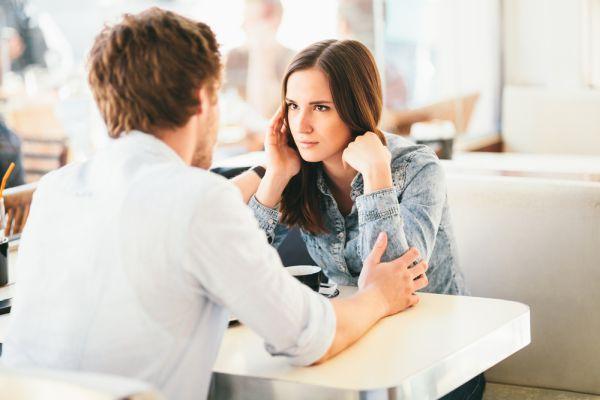 общение парня и девушки