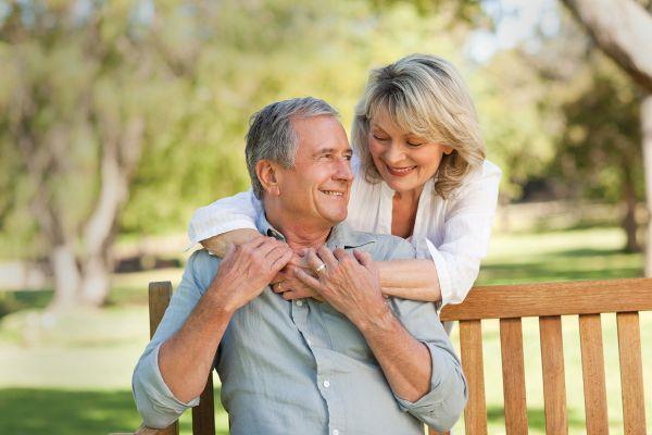 супруги в возрасте