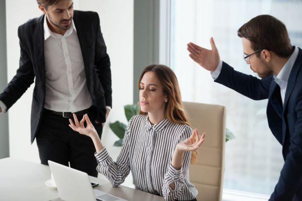 конфликт в офисе