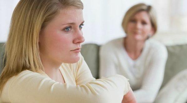 ссора матери с дочерью