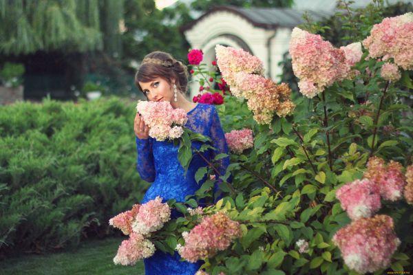 прогулка в саду