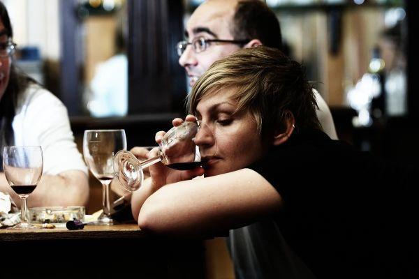 алкоголь и женщина