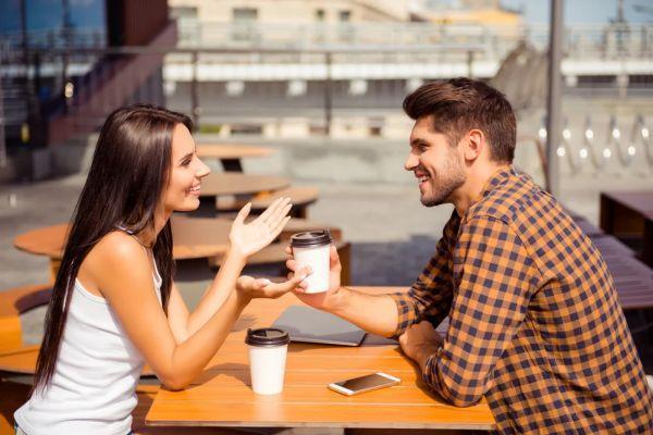 общение за чашкой кофе