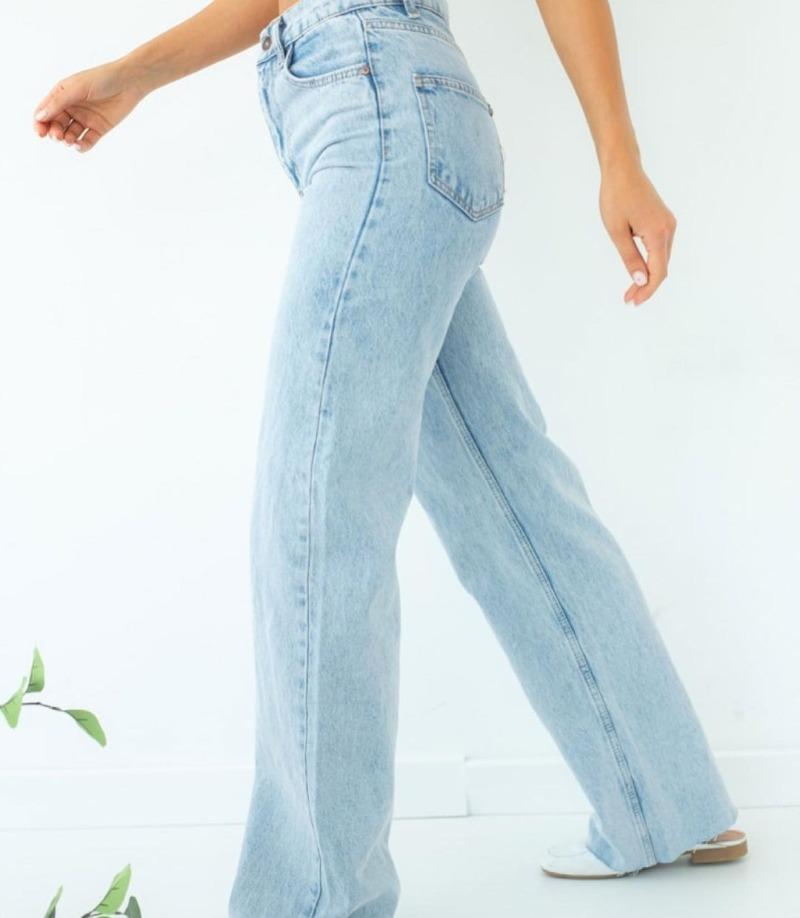 джинсы прямого кроя
